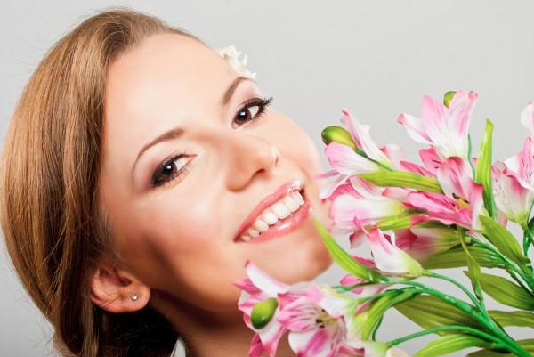 Готовимся к 8 марта: Рецепты омолаживающих масок для лица