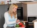 Какие блюда не стоит готовить в микроволновой печи