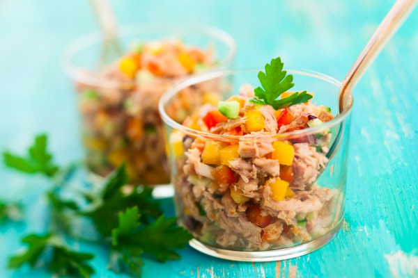 Рецепт                  Рецепты на 8 марта: Салат из тунца с овощами