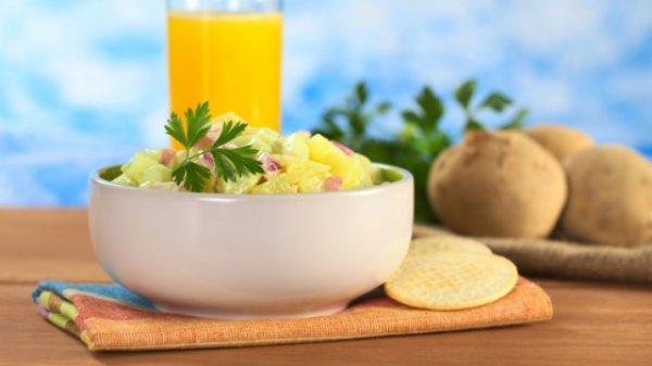 Рецепт                  Картофель по-деревенски с чесноком и солеными огурцами