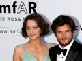 Развод Джоли и Питта: Возлюбленный Марион Котийяр заступился за нее