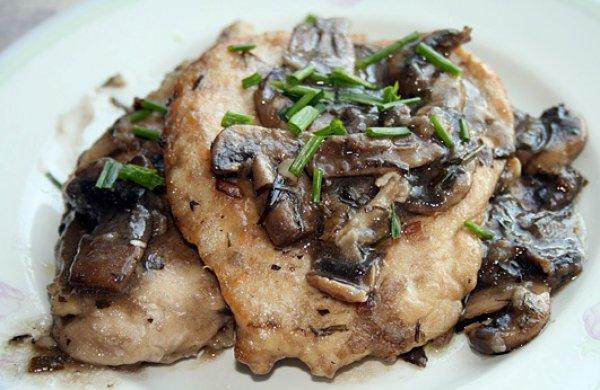 Рецепт                  Куриные эскалопы с грибами и вином