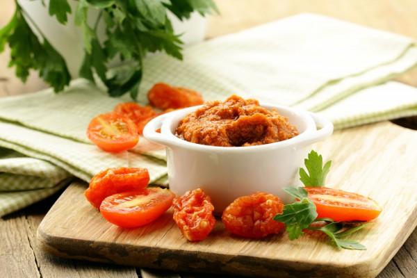 Рецепт                  Песто из вяленых на солнце помидоров