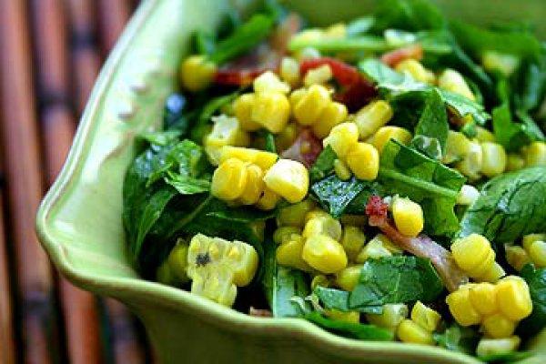 Рецепт                  Салат из рукколы, кукурузы и бекона
