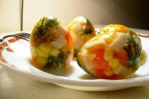 Заливные яйца - не то еда, не то декор