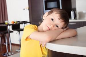 Помни, что кухня - одно из самых небезопасных для ребенка мест в доме