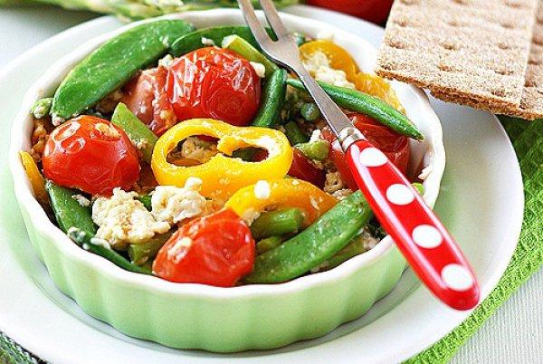 Рецепт                  Омлет из яичных белков с овощами