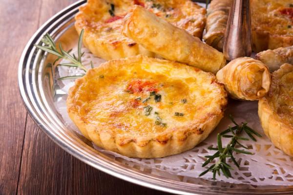 Рецепт                  Тарты с грушей, сыром и беконом