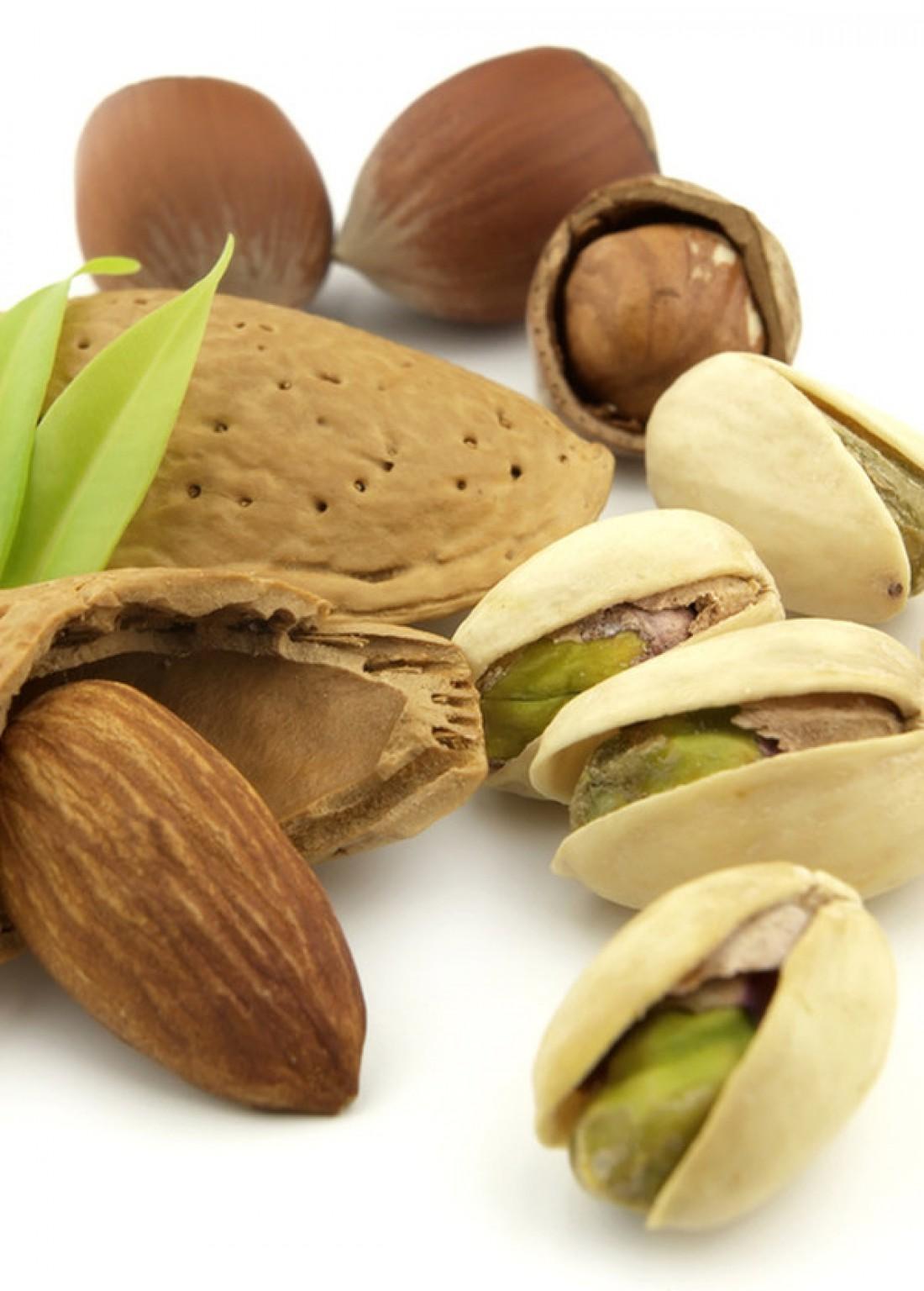 Орехи и семечки снимают судороги