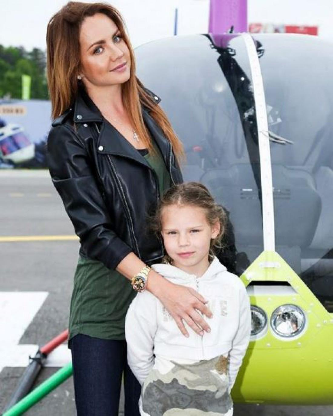 Певица Максим с дочерью Александрой
