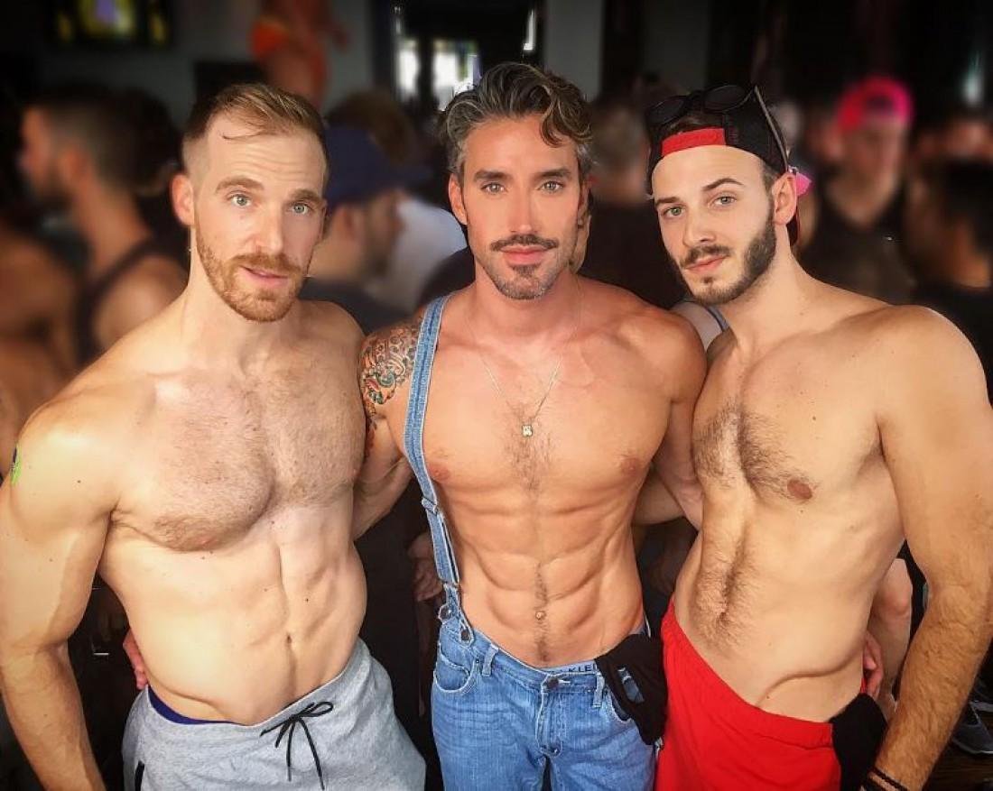 Смотреть онлайн: Лучшие гей -фильмы