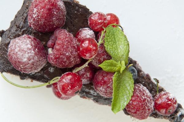Рецепт                  Шоколадно-миндальный торт с малиновым вареньем