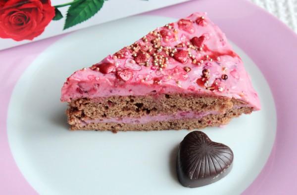 Рецепт                  Бисквитный торт с ягодным кремом