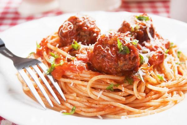 Рецепт                  Спагетти с тефтелями и томатным соусом