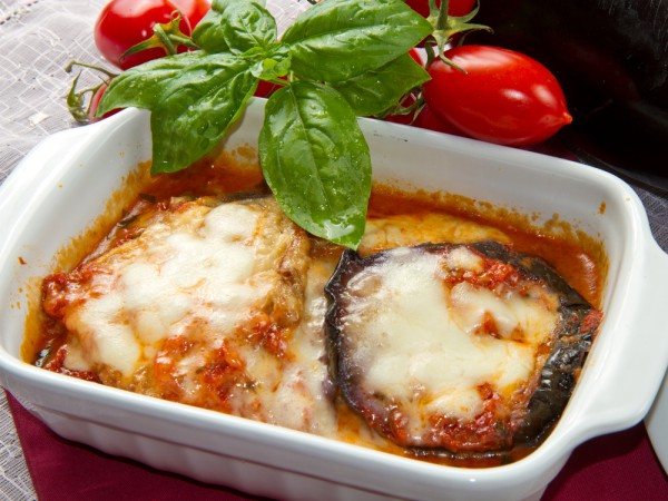 Рецепт                  Запеченные баклажаны с помидорами и сыром