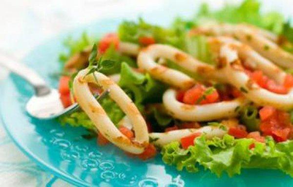 Рецепт                  Кальмар на гриле с сальсой из помидоров