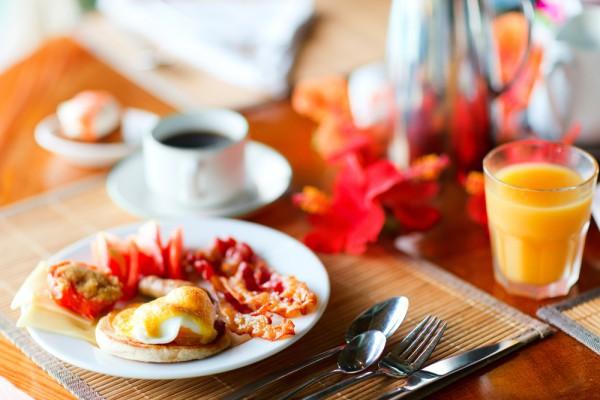 Рецепт                  Бутерброды с яйцом-пашот и ветчиной