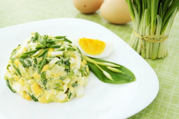Рецепт                  Яичный салат с черемшой