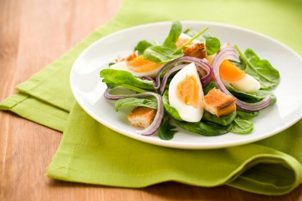 Рецепт                  Салат со шпинатом и яйцом