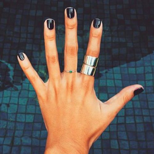 Чорний колір нігтів: ТОП-30 ідей стильного манікюру