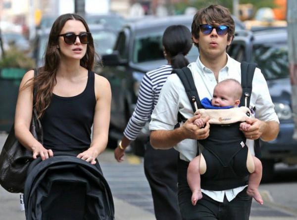 Кира Найтли с мужем Джеймсом Райтоном и дочкой Эди