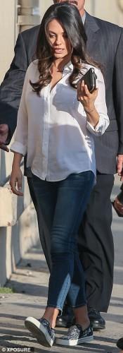 Мила Кунис появилась на публике с обручальным кольцом на безымянном пальце