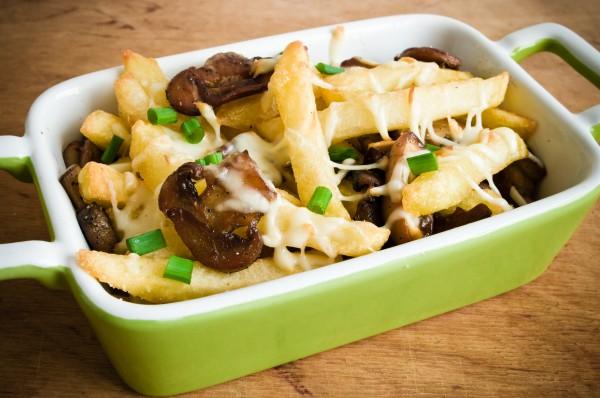 Рецепт                  Жареный картофель с грибами и сыром