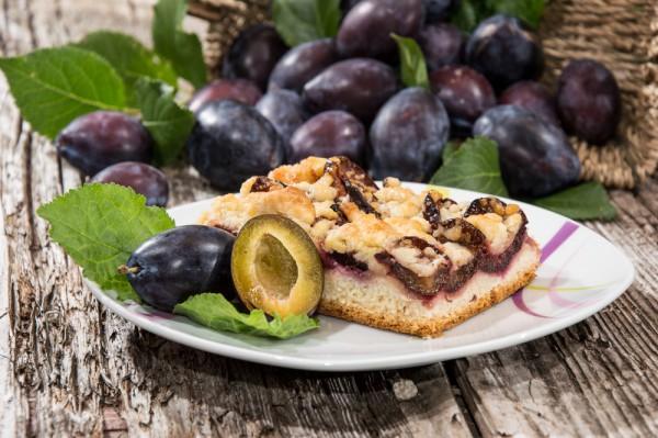 Рецепт                  Сливовый пирог с хрустящей посыпкой