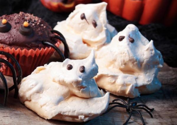 Рецепт                  Рецепты на Хэллоуин: Привидения из безе