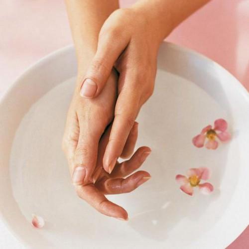 Ефектний догляд за нігтями будинку: Кращі поради