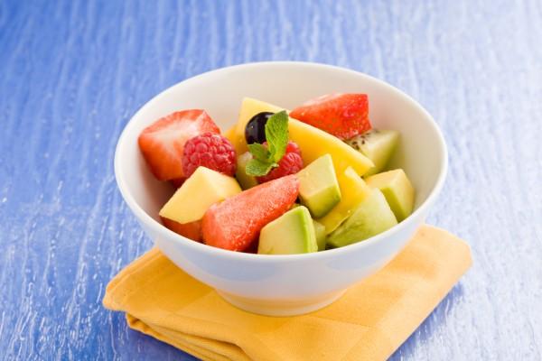 Рецепт                  Летний салат из клубники, манго и киви