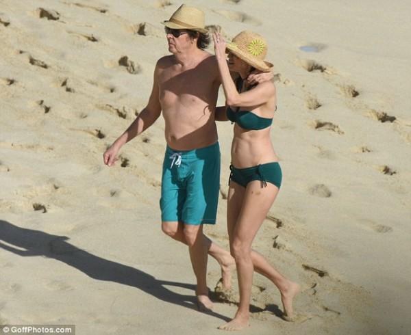 Жену после пляжа, смотреть как трахаются русские зрелые