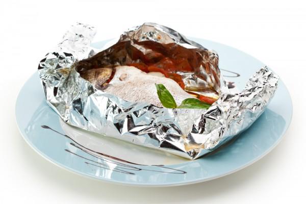 Рецепт                  Запеченная рыба в фольге с луком