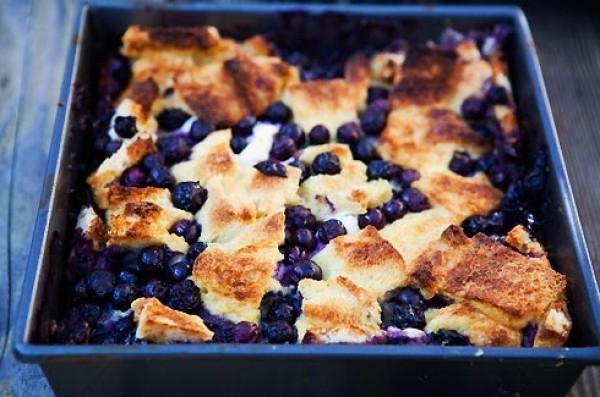 Рецепт                  Хлебная запеканка с черникой