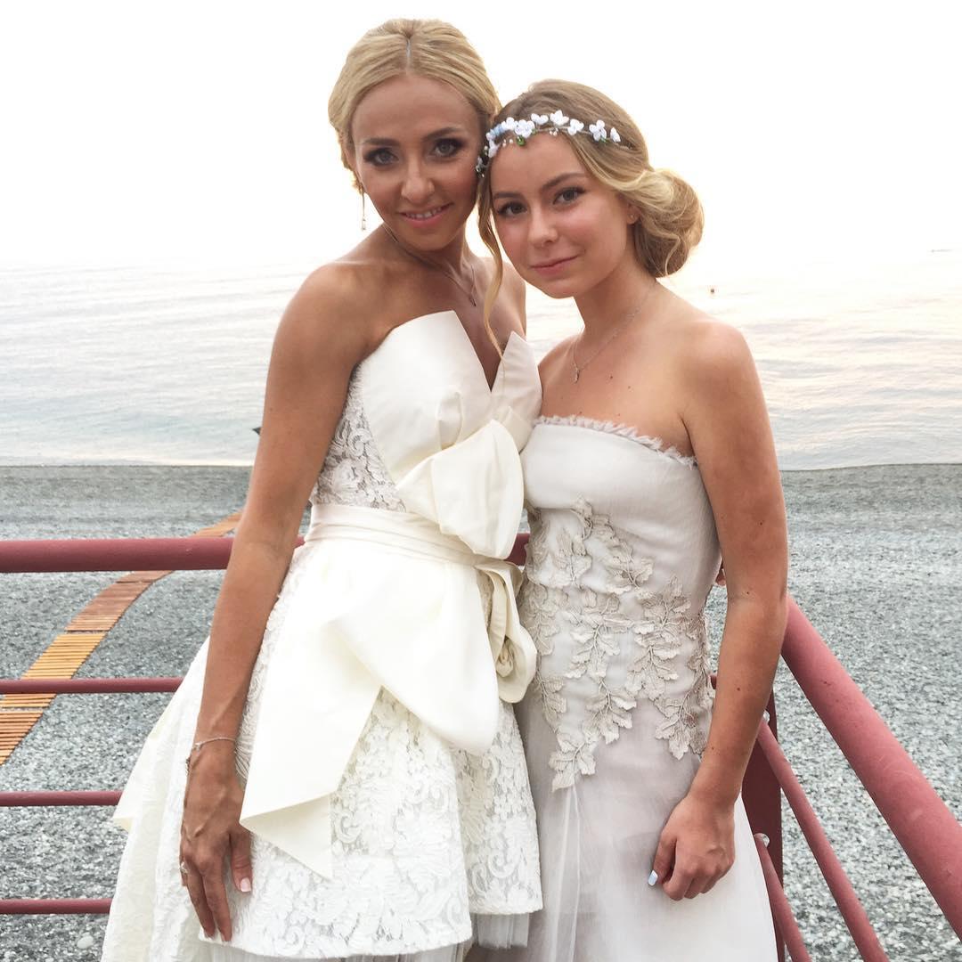 Татьяна Навка с дочкой Сашей Жулиной
