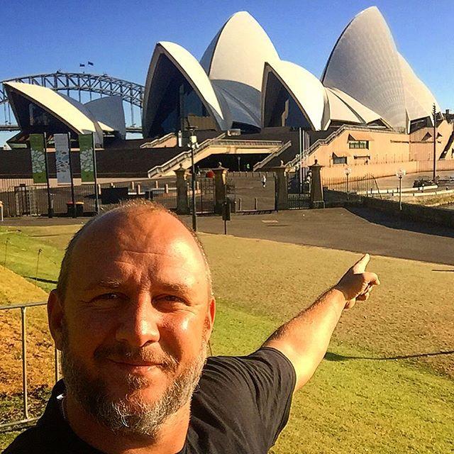 Настя Каменских в обтягивающих лосинах совершила утреннюю пробежку по Сиднею (фото)
