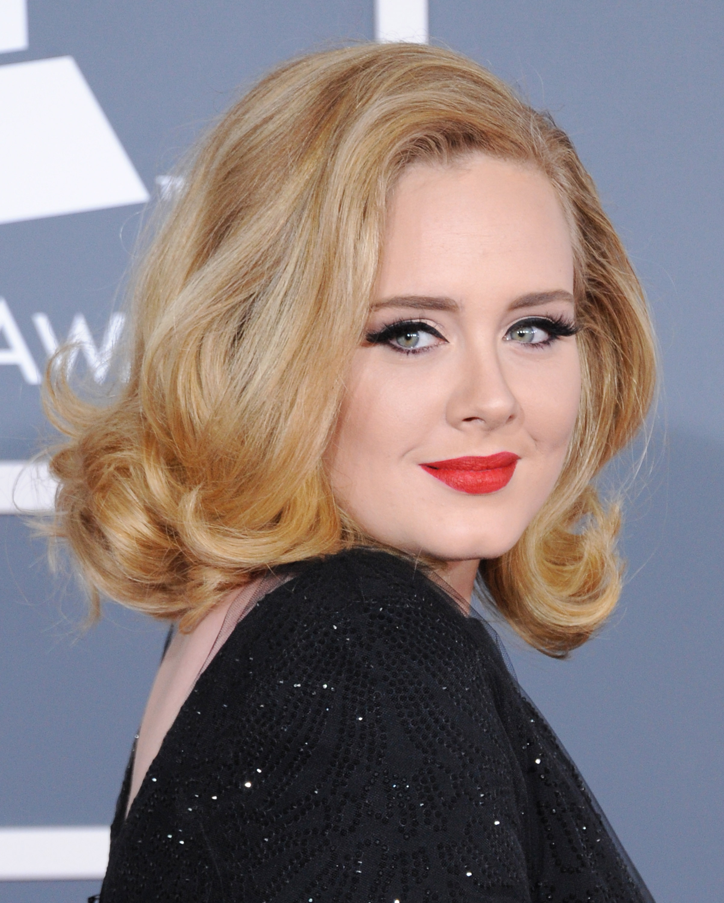 9 Specific Medium Length Hairstyles For Round Face Women 2018