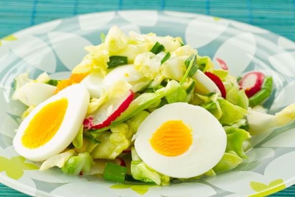 Рецепт                  Весенний салат из капусты и редиса