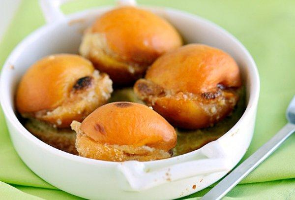 Рецепт                  Абрикосы, запеченные с миндалем
