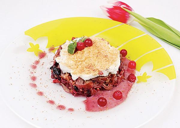 Рецепт                  Масленица 2013: Запеканка из блинчиков с орехами и вишневым джемом