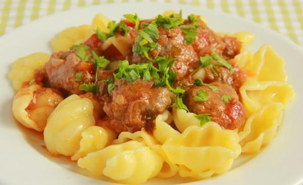 Рецепт                  Мясные шарики в томатном соусе