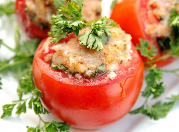 Рецепт                  Фаршированные помидоры с зеленью и сыром