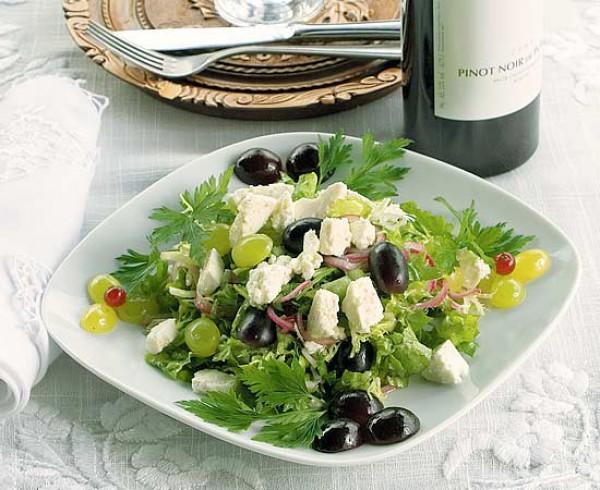 Рецепт                  Рецепты на 8 марта: Виноградный салат с брынзой