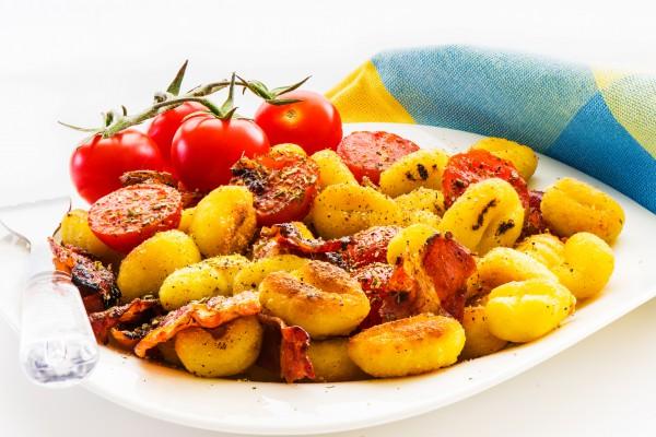 Рецепт                  Запеченный картофель с беконом и помидорами