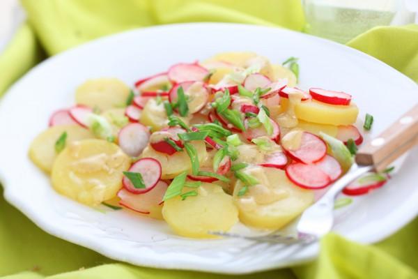 Рецепт                  Весенний картофельный салат с редисом