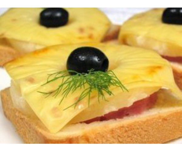 Рецепт                  Бутерброд с ананасами и сыром
