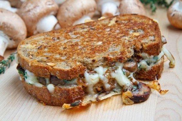 Рецепт                  Сэндвич с грибами и сыром
