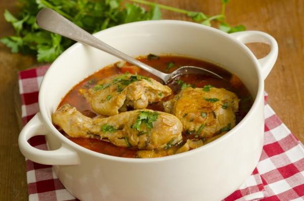 Рецепт                  Курица с паприкой в томатном соусе