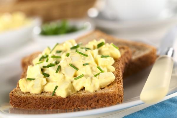 Рецепт                  Бутерброды с яично-горчичным салатом