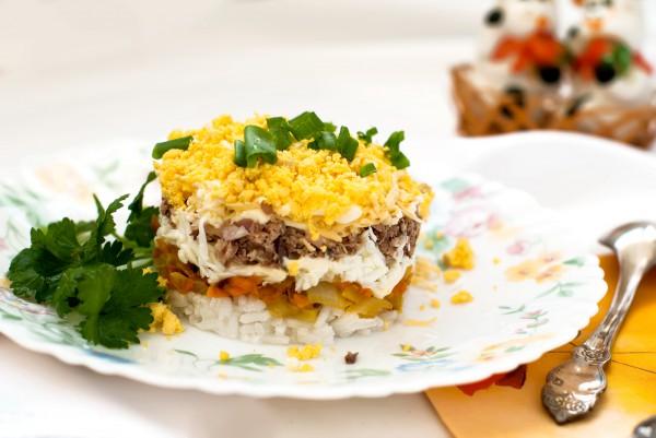 Рецепт                  Рецепты на 8 марта: Салат из куриной печени и риса